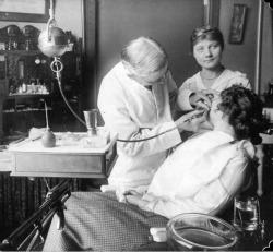 Dentist, 1915
